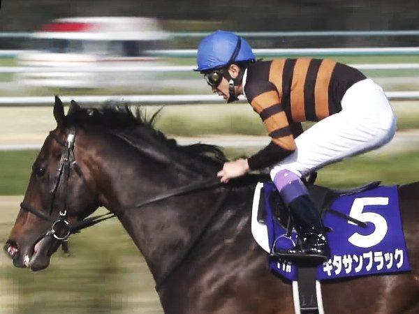 年度代表馬は伊達じゃない。キタサンブラック、G1大阪杯の初の勝ち馬