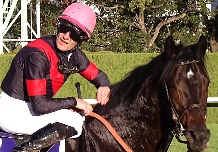第34回マイルチャンピオンS(G1)勝ち馬のペルシアンナイトとM・デムーロ